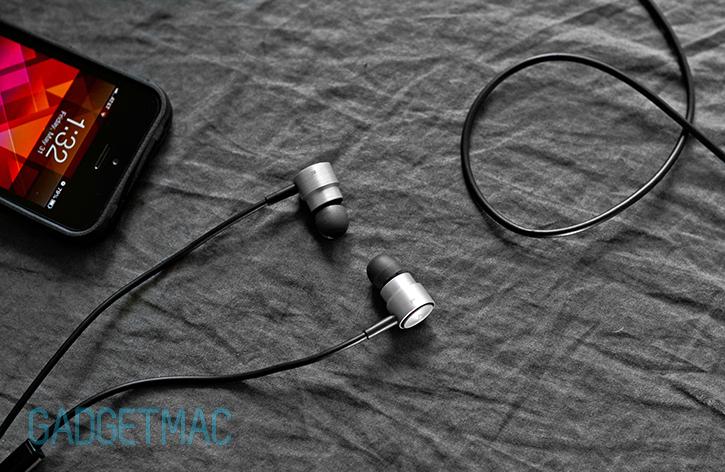 akg_k391_active_noise_cancelling_in_ear_headphones.jpg