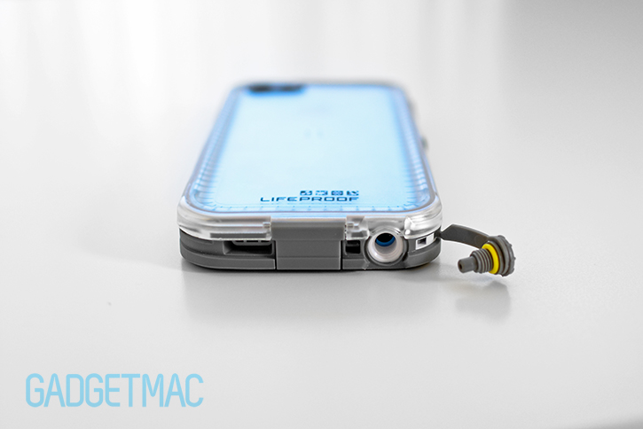 lifeproof_nuud_waterproof_rugged_case_for_iphone_5c_headphone_port_watertight_plug.jpg