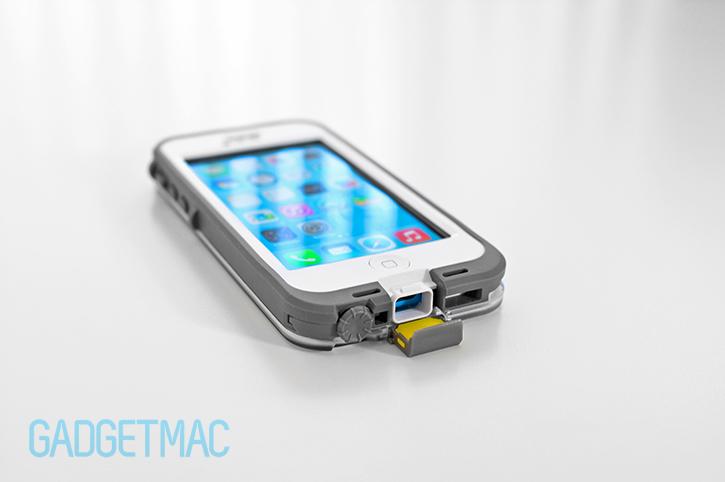 lifeproof_iphone_5c_nuud_case_lightning_connector_port.jpg