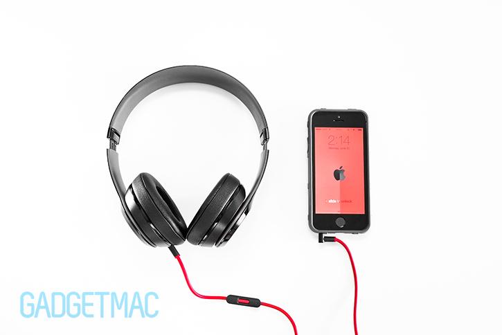 beats_solo_2_headphones_redesigned_top.jpg