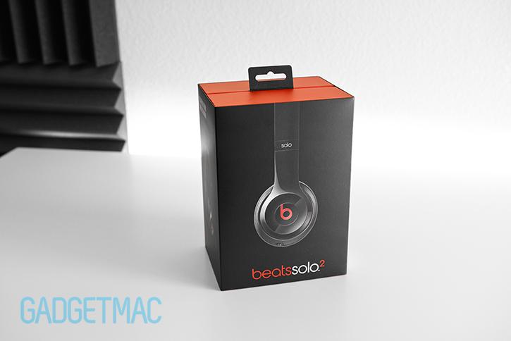 beats_solo_2_headphones_black_packaging.jpg