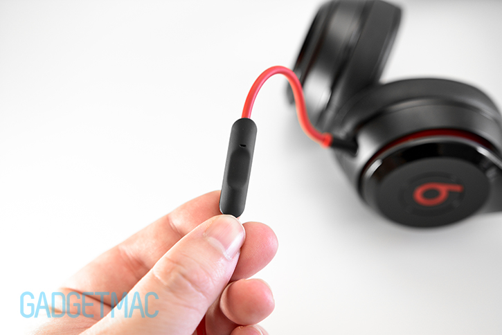 beats_solo_2_headphones_remotetalk_inline_music_call_control_headset_mic.jpg