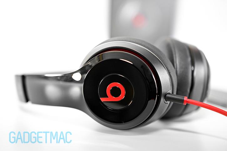 beats_solo_2_headphones_red.jpg