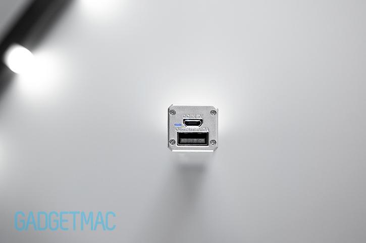 id-america-led-portable-battery-charger-micro-usb-usb-charging-ports.jpg