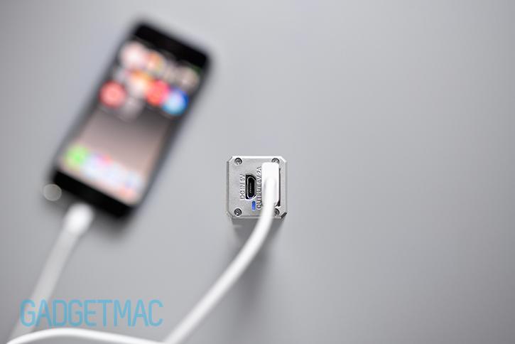 id_america_led_portable_charger_usb.jpg