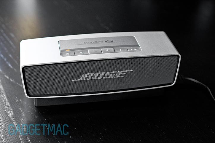 bose_soundlink_mini_portable_wireless_speaker_battery_charging.jpg