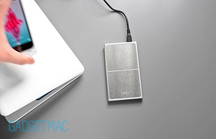 unu_aero_wireless_charging_surface.jpg