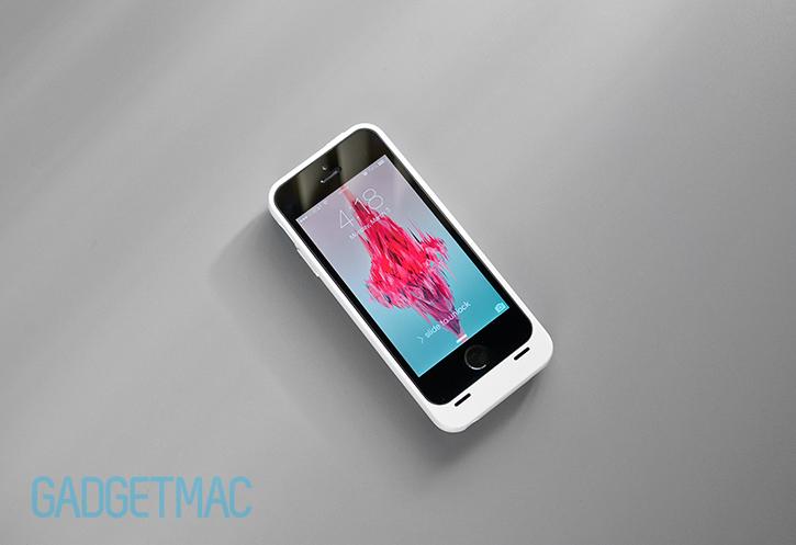 unu_aero_wireless_iphone_5_5s_battery_charging_case_front.jpg