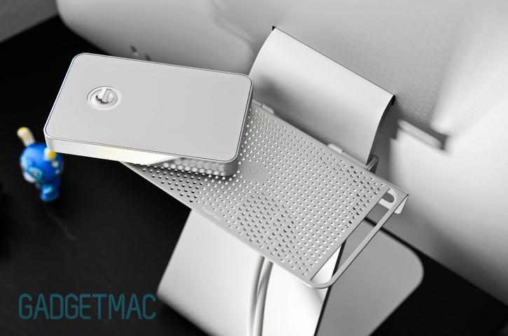 backpack_2_apple_imac_shelf.jpg
