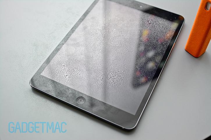 ipad_mini_filthy_fingerpint_screen_sprayed.jpg