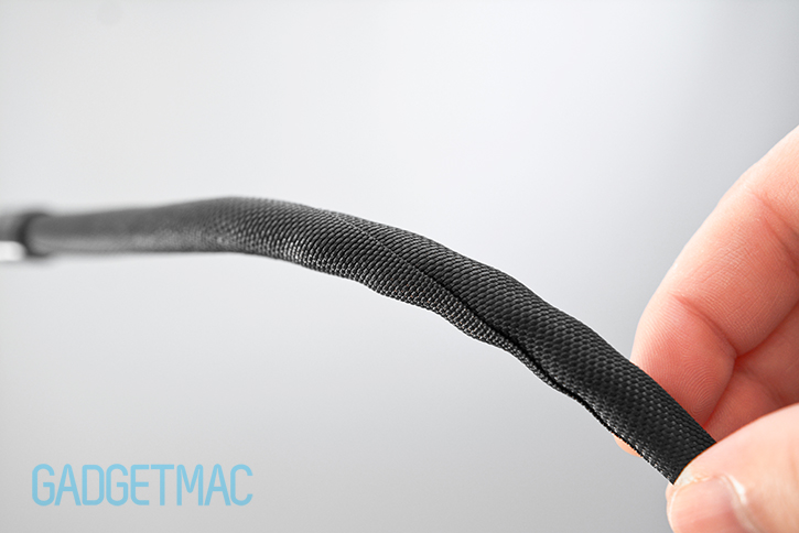 bluelounge_soba_cable_sleeving_material_vs_techflex.jpg