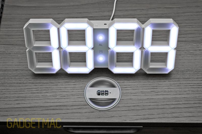 white_and_white_led_digits_clock_desk.jpg