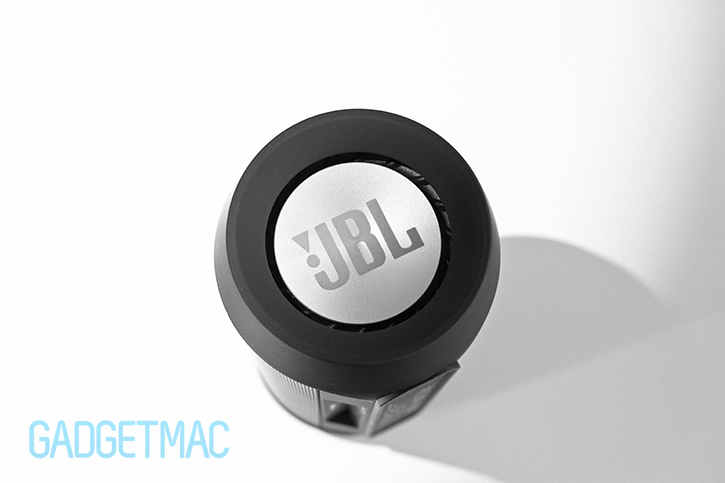 jbl-charge-2-passive-bass-radiator.jpg