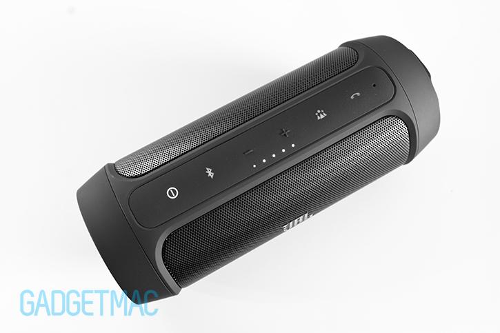 jbl-charge-2-speaker-button-controls.jpg