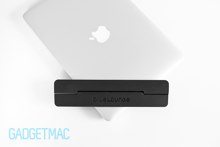 bluelounge_kickflip_stand_for_macbook_pro_accessory.jpg