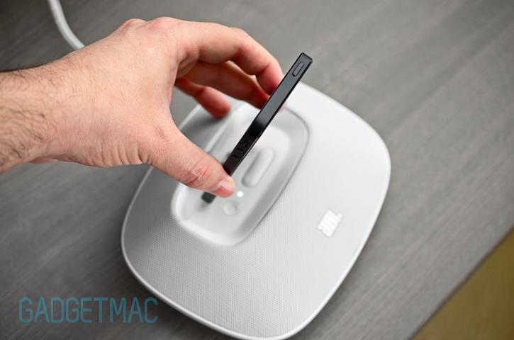 jbl_onbeat_micro_iphone_5_speaker_dock.jpg