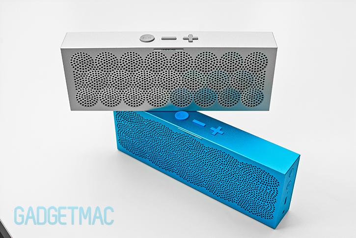 jawbone_mini_aluminum_jambox_speakers.jpg