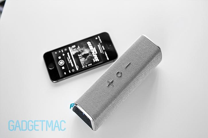 fugoo_style_bluetooth_speaker_silver_iphone_5s.jpg