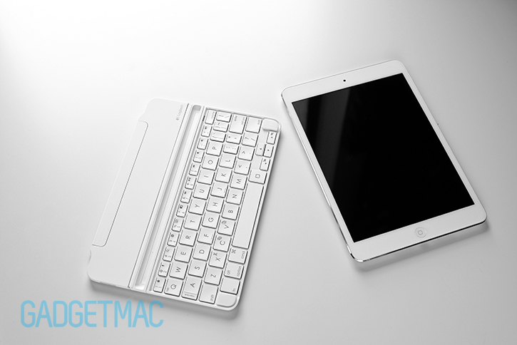 logitech_ultrathin_2_magnetic_clip_on_ipad_keyboard_interior.jpg