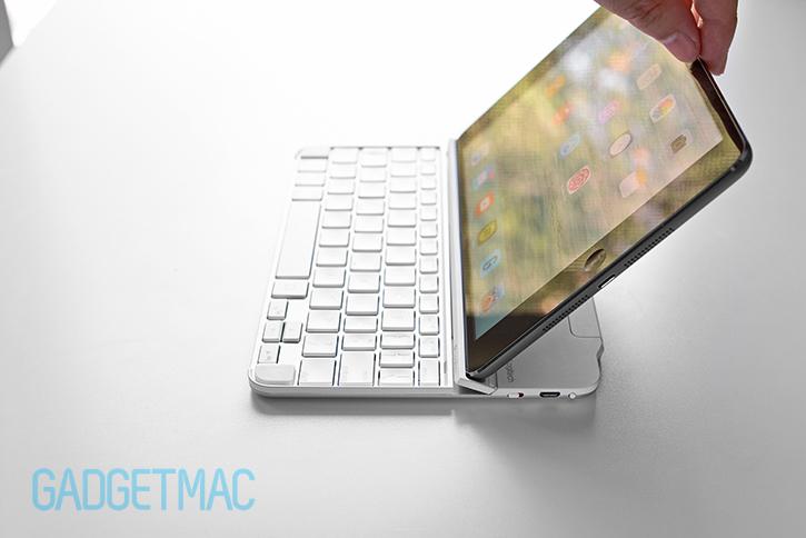 logitech_ultrathin_2_aluminum_keyboard_cover_for_ipad_flexible_stand_3.jpg