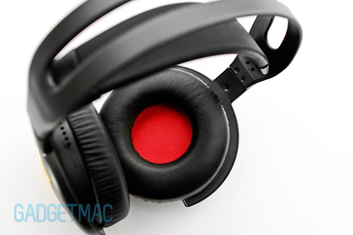 nuforce_hp_800_headphones_earcup.jpg