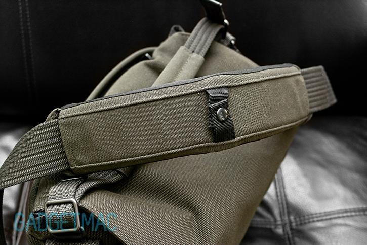 lowepro_pro_messenger_aw_shoulder_strap.jpg