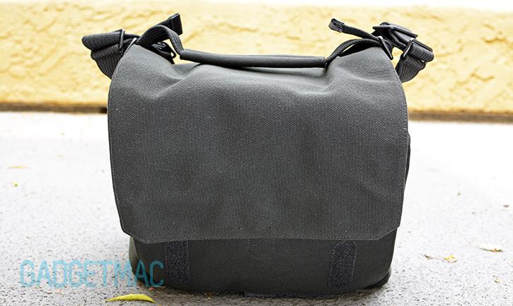 lowepro_soft_camera_shoulder_bag_aw.jpg