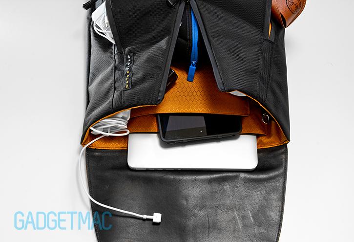 waterfield_staad_backpack_macbook_pro_ipad_mini_interior_compartments.jpg