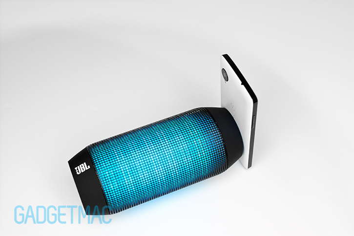 jbl_pulse_wireless_portable_bluetooth_led_speaker_nfc_nexus_5_pairing.jpg