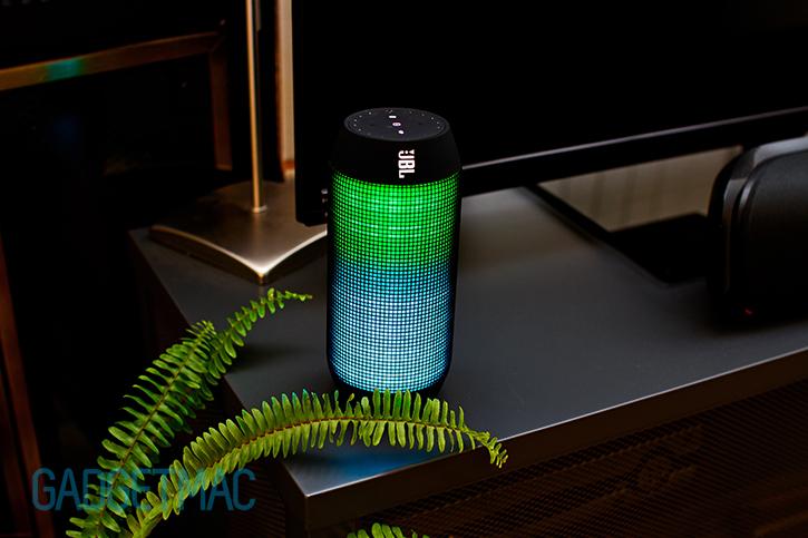 jbl_pulse_bluetooth_wireless_speaker_led_lighting_eq.jpg