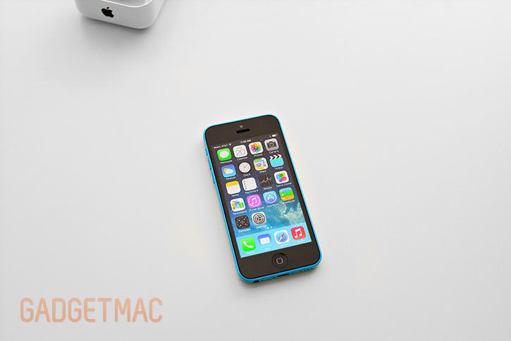 apple_iphone_5c_blue_hands_on_5.jpg