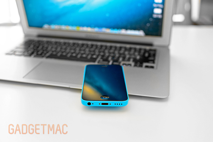 apple_iphone_5c_blue_hands_on1.jpg