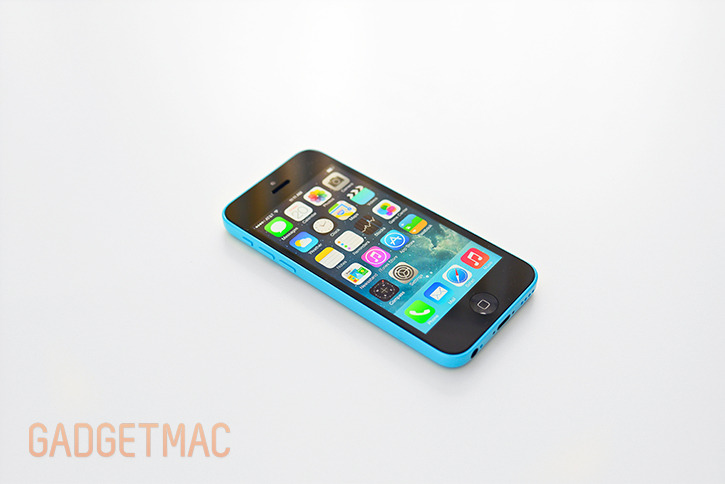 apple_iphone_5c_blue_side_ios7.jpg