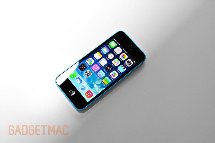 apple_iphone5c_blue_top_hands_on.jpg