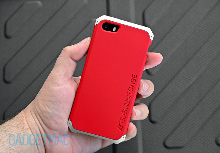 elementcase_solace_iphone_5s_case_red_slim_case_inhand.jpg