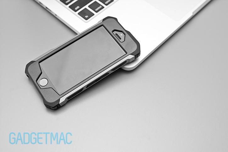 element_case_rogue_aluminum_hybrid_iphone_5_s_case_top.jpg