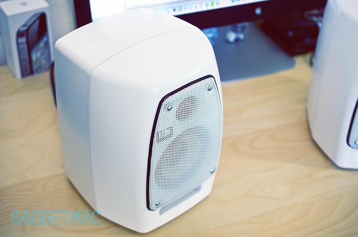 krk_vxt4_white_speakers_top.jpg