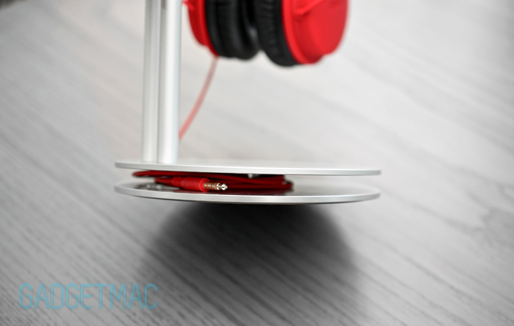 just_mobile_headstand_aluminum_headphone_stand_audio_cable_tidy.jpg