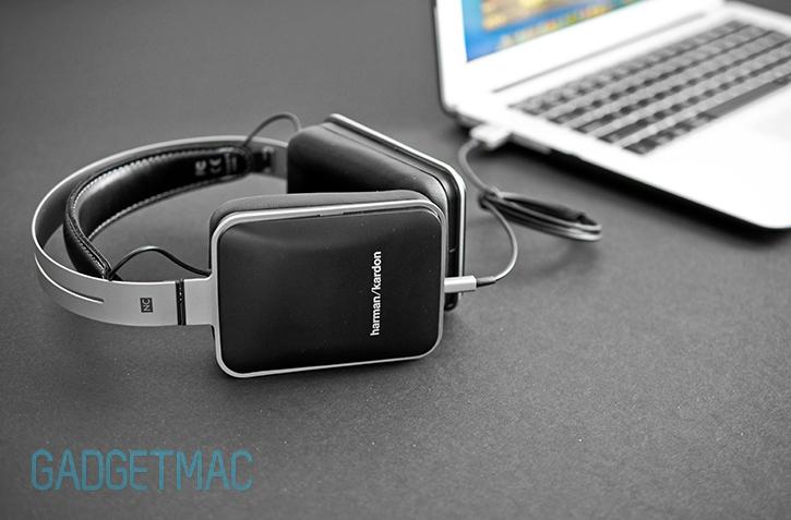 harman_kardon_nc_noise_canceling_headphones_charging.jpg