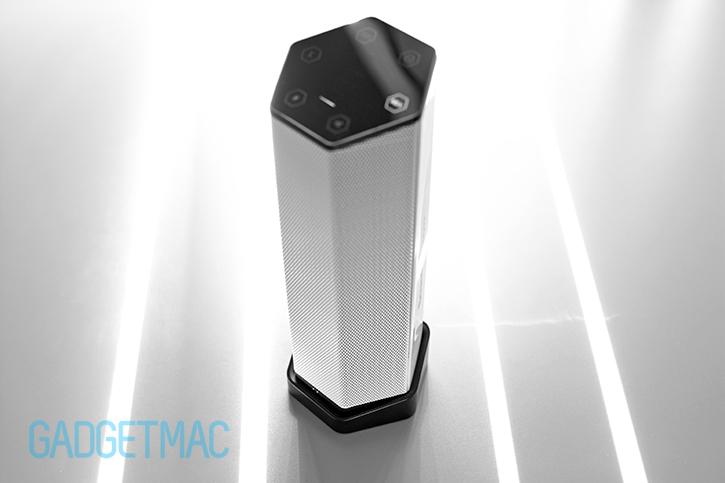 creative_sound_blasteraxx_docking_base_charger_for_axx_200_speaker.jpg