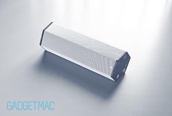 creative_labs_sound_blasteraxx_axx_200_portable_wireless_bluetooth_speaker_3.jpg