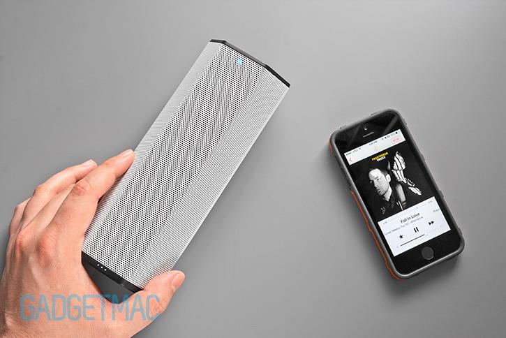 creative_labs_sound_blasteraxx_axx_200_portable_wireless_bluetooth_speaker_1.jpg