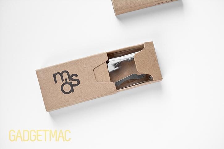 mas_design_titanium_bauhaus_carabiner_unboxed.jpg