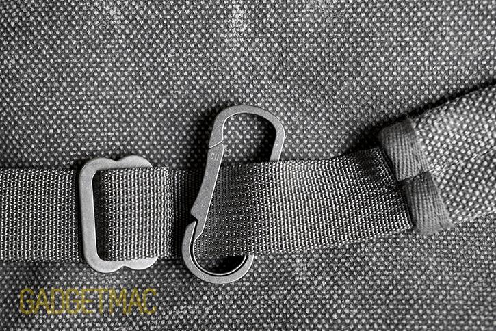 mas_design_titanium_bauhaus_carabiner_5_c11.jpg