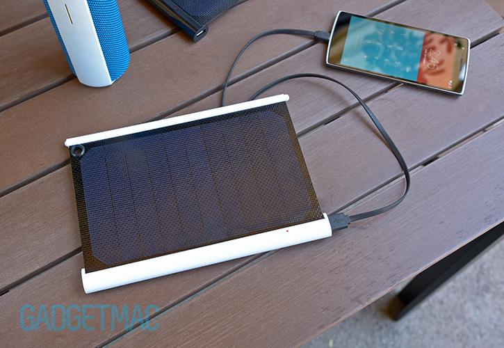 solarade_portable_gadget_solar_charger.jpg