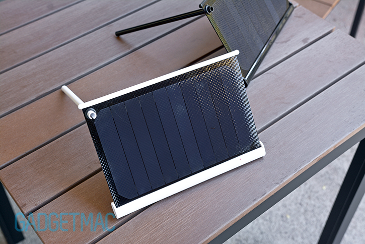 solarade_portable_solar_charger_stand_6.jpg