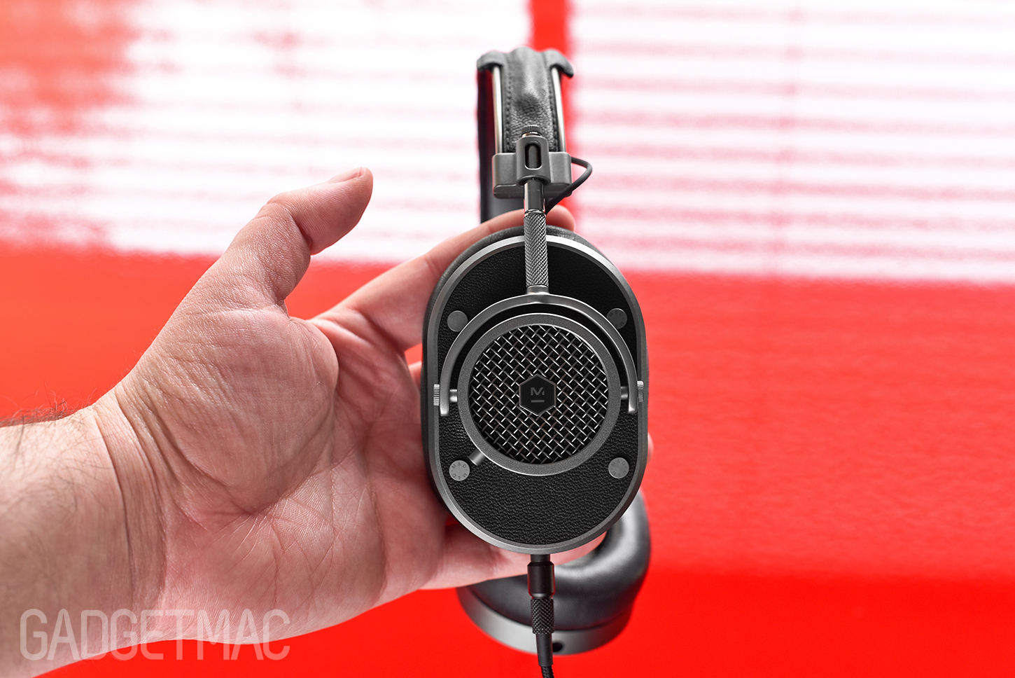 master_and_dynamic_mh40_over_ear_headphones_vintage_retro_design.jpg