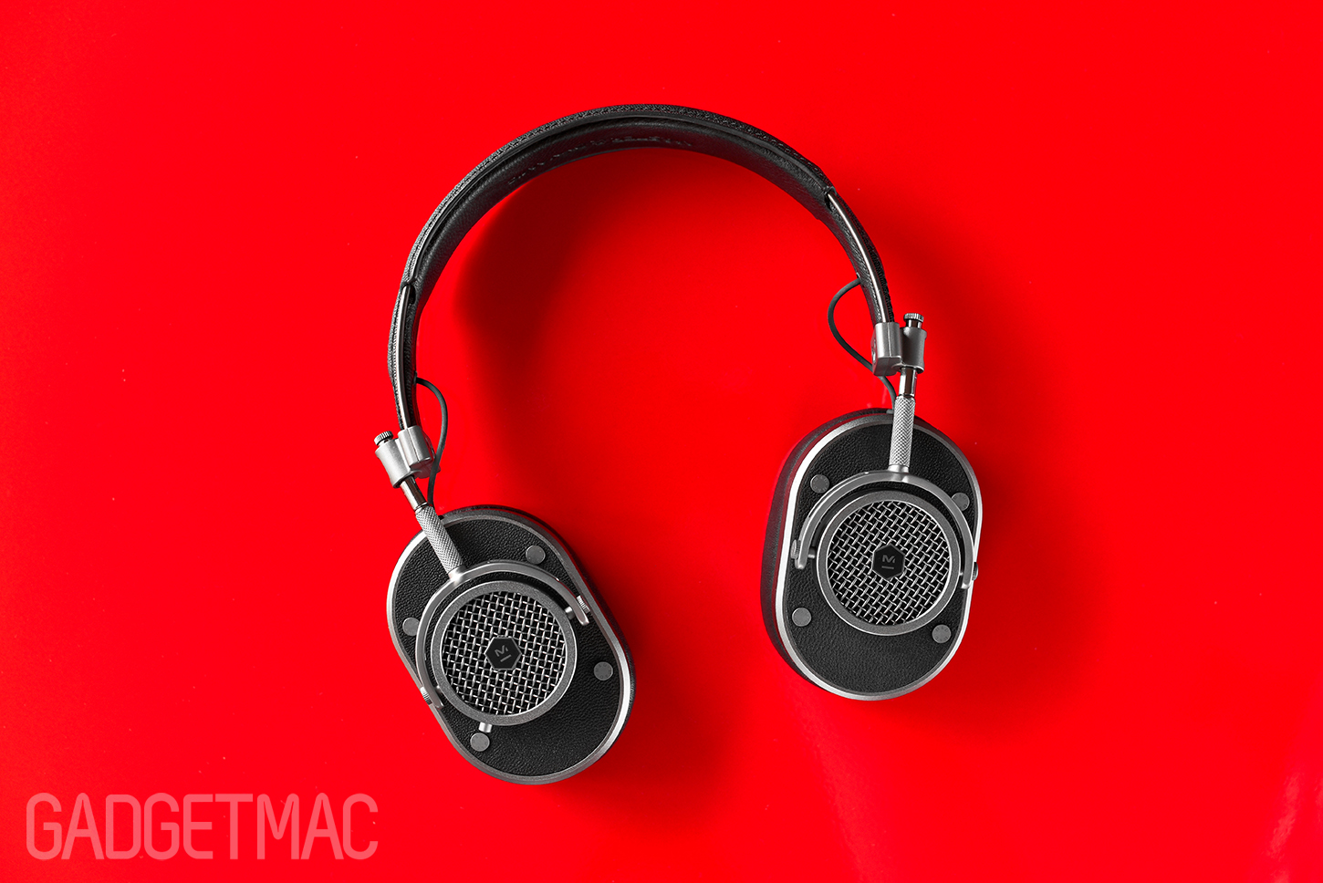 master_dynamic_mh40_headphones_folded_flat.jpg