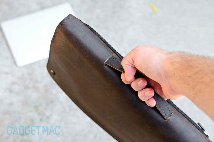 waterfield_cityslicker_macbook_case_handle.jpg