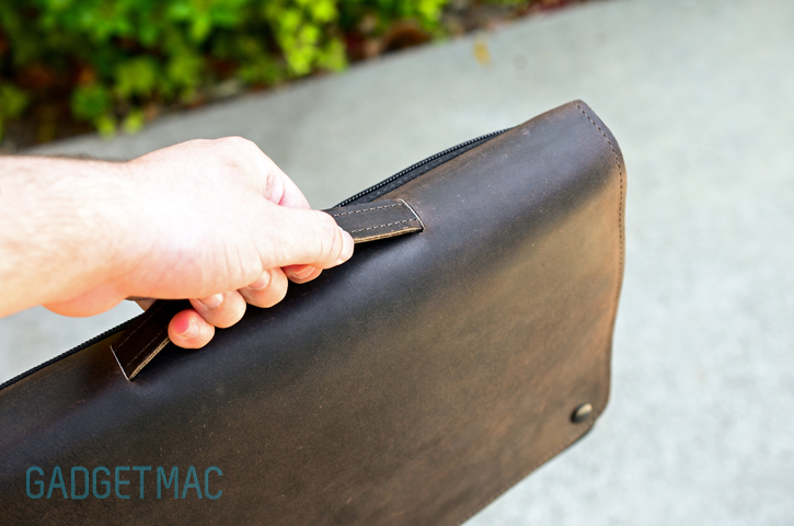 waterfield_cityslicker_macbook_case_handle_leather.jpg